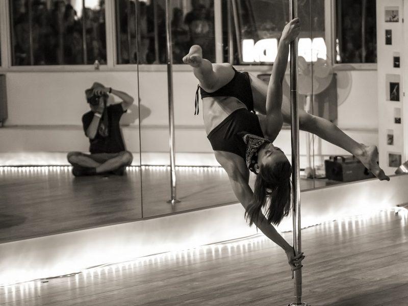 raul-bueno-clases-pole-dance-madrid